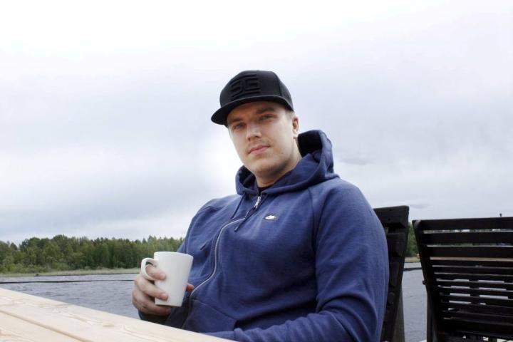 Pyry Rasinmäki kirjoitti tuoreeseen singleensä elämäntavoitteitaan ennen 30 ikävuoden rajapyykkiä.