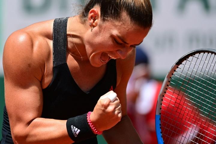 Kreikan Maria Sakkarista tuli ensimmäinen kreikkalainen naispelaaja, joka on raivannut tiensä Ranskan avoimen grand slam -turnauksen välierävaiheeseen. LEHTIKUVA / AFP