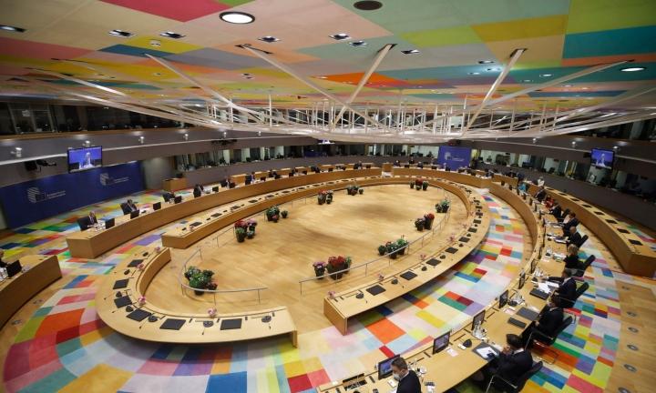Unkarin uudesta, vähemmistöjä syrjivästä laista keskusteltiin EU-huippukokouksessa Brysselissä. LEHTIKUVA / AFP