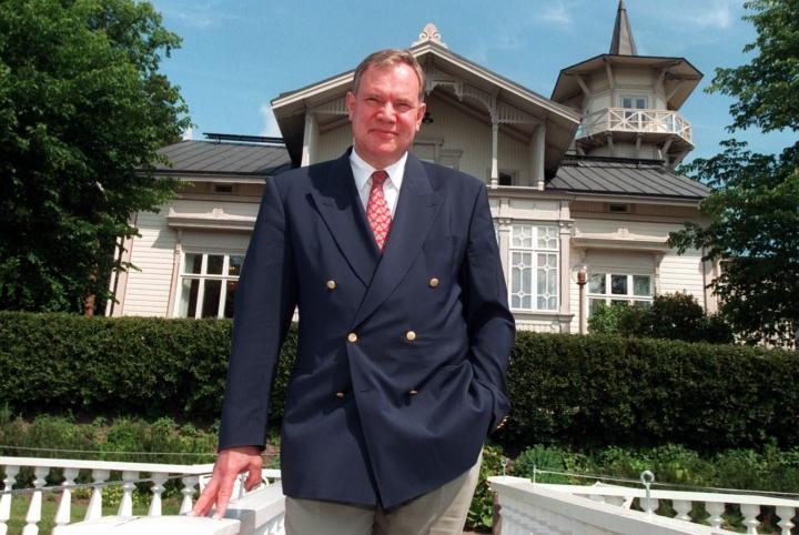 Pääministeri Paavo Lipponen (sd.) Kesärannassa vuonna 1997. LEHTIKUVA / TOR WENNSTRÖM