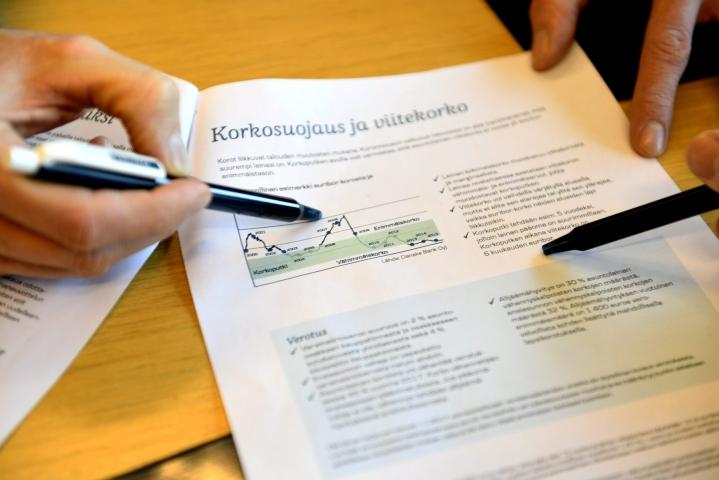 Suomen Pankin mukaan uusia asuntolainoja nostettiin toukokuussa poikkeuksellisen paljon. LEHTIKUVA / Martti Kainulainen