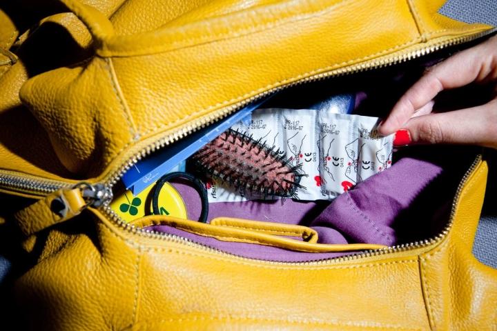 Seksitauteja vastaan paras suoja on kondomi. Sosiaali- ja terveysministeriön tukema perinteinen Kesäkumikampanja on käynnissä tänäkin kesänä, mutta tapahtumien ja festareiden sijaan kondomien jako keskittyy muun muassa nuorten suosimiin illanviettopaikkoihin ulkona.