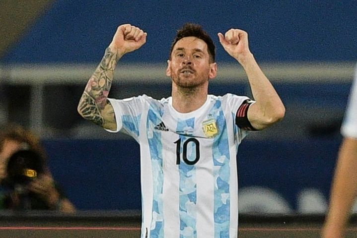 Lionel Messi teki kaksi maalia Boliviaa vastaan. LEHTIKUVA/AFP