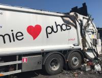 Kotitalousjätteen sekaan eksynyt aerosolipullo aiheutti jäteauton tulipalon Kontiolahdella - Puhas Oy:stä muistutetaan, että aerosolipakkaukset tulee lajitella vaaralliseen jätteeseen