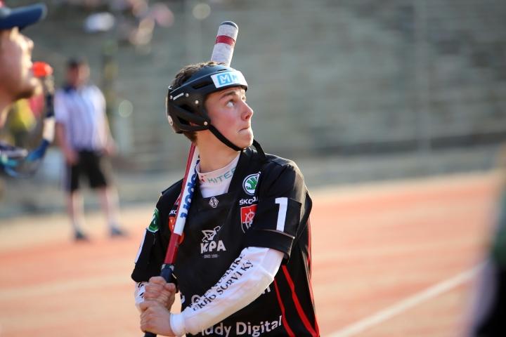 Elmeri Purmonen palasi kentälle loukkaantumisen jälkeen.