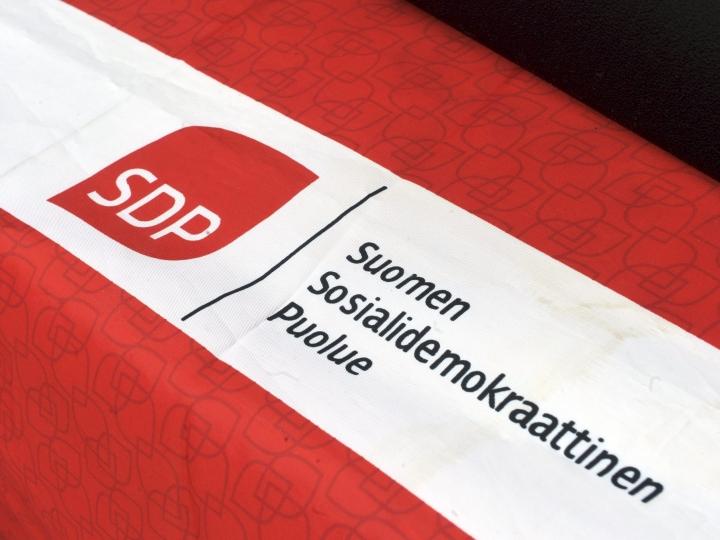 Kahden syytetyn syytteet hylättiin. Heitä ei hyväksytty SDP:n kuntavaalilistalle, koska oikeusprosessi oli listaa koottaessa kesken. LEHTIKUVA / TIMO JAAKONAHO