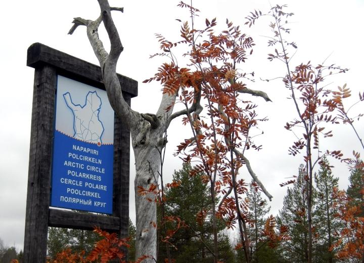 Esitys Sallan kansallispuiston perustamiseksi on saanut hallituksen hyväksynnän. Kuvassa napapiiri-kyltti Sallassa. LEHTIKUVA/ Miika Siltalahti