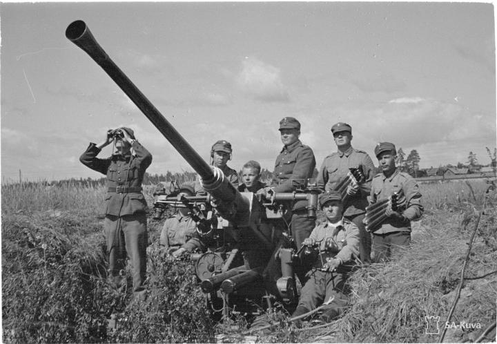 Asiantuntijoiden mukaan jatkosodassa on kyse monimutkaisesta asiasta, eikä sitä voi kuvata vain yhdellä määritteellä LEHTIKUVA / HANDOUT / TULIO (TUGAI) / SA-KUVA