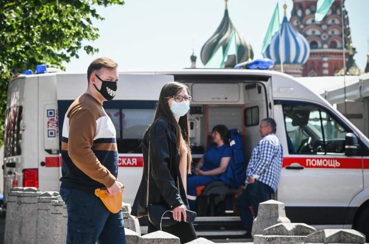 Moskovassa kirjattiin 24 tunnin aikana 144 koronaan liittyvää kuolemaa. LEHTIKUVA/AFP