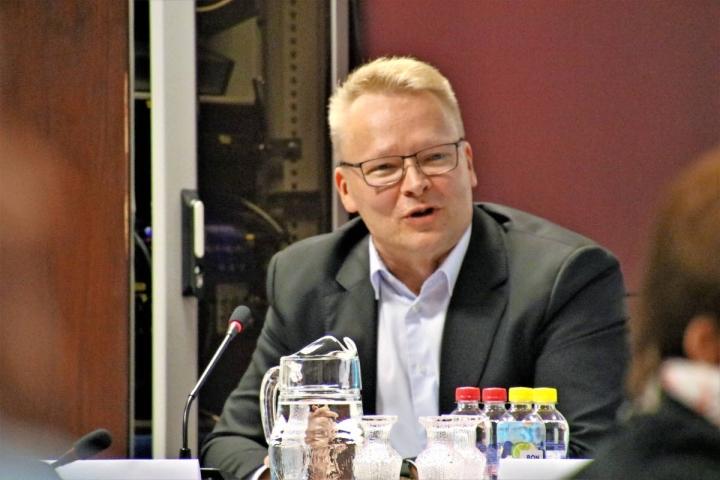 Kuvassa Kiteen kaupunginjohtaja Pekka Hirvonen.