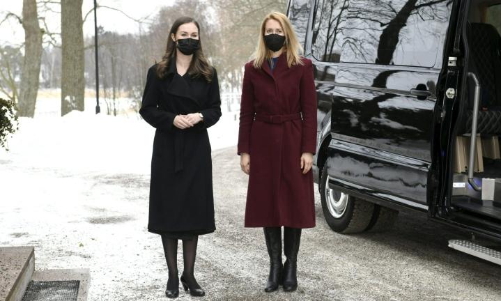 Suomen ja Viron pääministerit Sanna Marin (vas.) ja Kaja Kallas. LEHTIKUVA / Heikki Saukkomaa