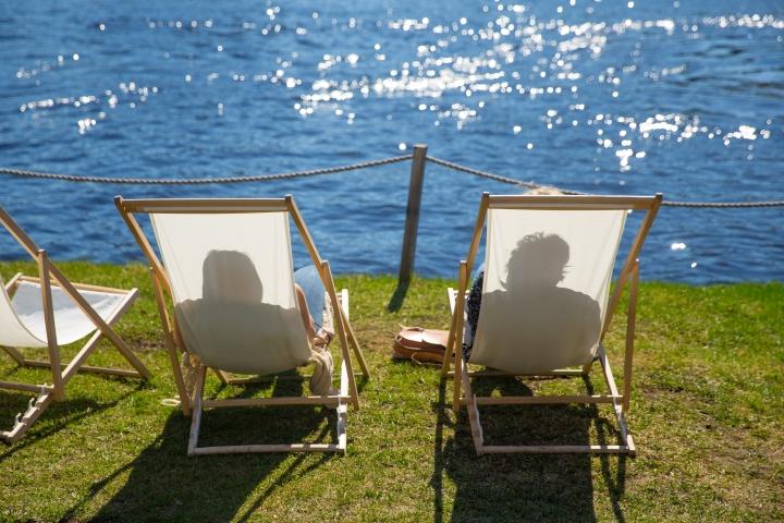 Kesälomalla kannattaa varata aikaa sekä passiiviseen oleiluun että rentouttavaan puuhasteluun. Arkistokuva.