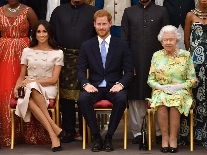 BBC:n mukaan prinssi Harry ja herttuatar Meghan eivät kertoneet kuningatar Elisabetille aikomuksistaan nimetä tyttärensä kuningattaren mukaan. LEHTIKUVA / AFP