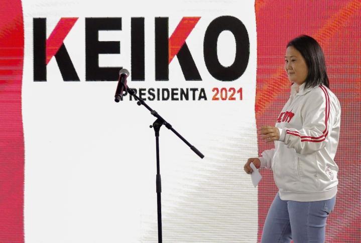Perun presidentiksi pyrkivä Keiko Fujimori syytti maanantai-illan lehdistötilaisuudessa vaaleja vilpillisiksi. LEHTIKUVA/AFP