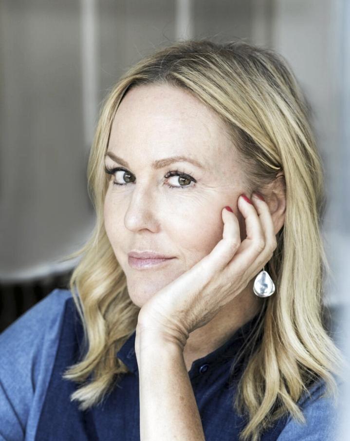 Camilla Grebe on vuonna 1968 syntynyt ruotsalaiskirjailija.