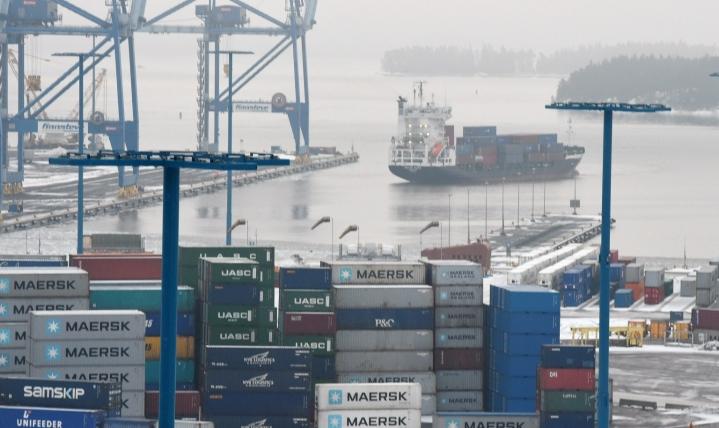 VTV:n mukaan muun muassa merenkulku saatiin turvattua niin, että tavaraliikenne Suomeen jatkui lähes normaalisti. LEHTIKUVA / Jussi Nukari