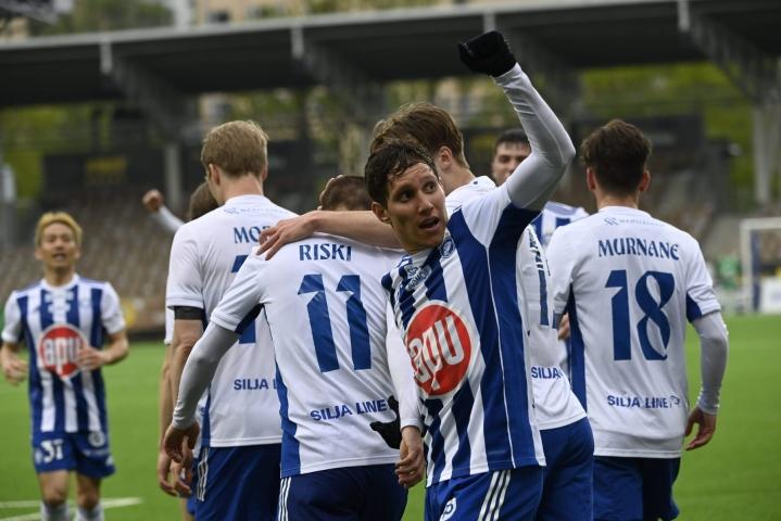 HJK otti jo viidennen peräkkäisen voittonsa miesten jalkapalloliigassa. Arkistokuva.  LEHTIKUVA / EMMI KORHONEN