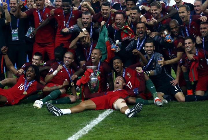 Portugali lähtee alkaviin EM-kisoihin hallitsevana mestarina. Maa juhli yllätysmestarina 2016 kapteeninsa Cristiano Ronaldon johdolla.