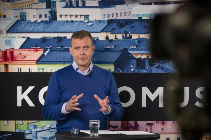 Kokoomus on suosituin puolue 19,6 prosentin kannatuksella Ylen tuoreessa kuntavaalimittauksessa. Kuvassa kokoomuksen  puheenjohtaja Petteri Orpo. LEHTIKUVA / Roni Lehti