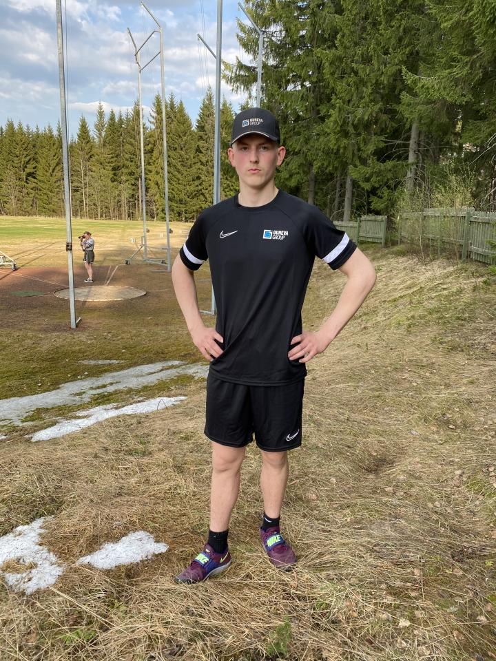 Tuupovaaran Topi Parviainen oli odotettu voittaja Pihtiputaan keihäskisoissa.