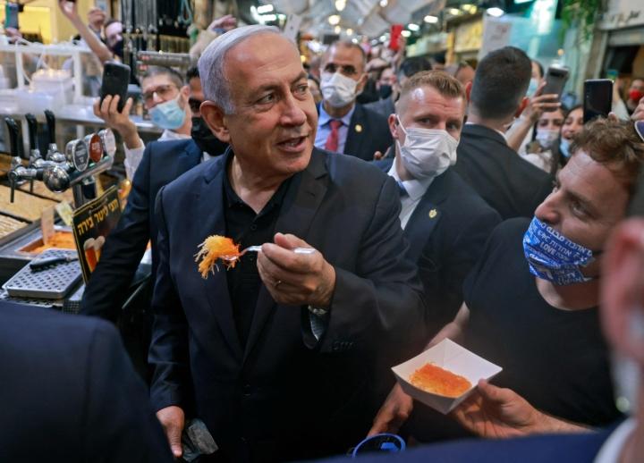 Israelin parlamentti knesset äänestänee sunnuntaina maan uudesta hallituksesta, kertoi knessetin puheenjohtaja Yariv Levin tiistaina. LEHTIKUVA/AFP