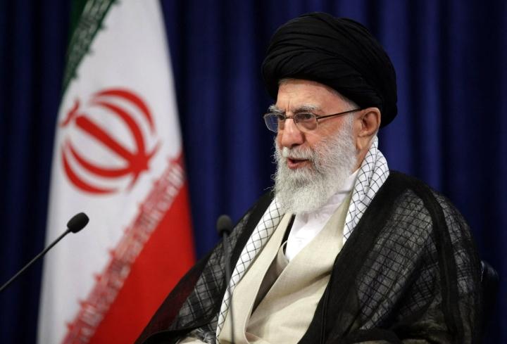 Maan uskonnollinen johtaja ajatollah Ali Khamenei päätti armahduksista shiiamuslimien uskonnollisen merkkipäivän kunniaksi. LEHTIKUVA/AFP