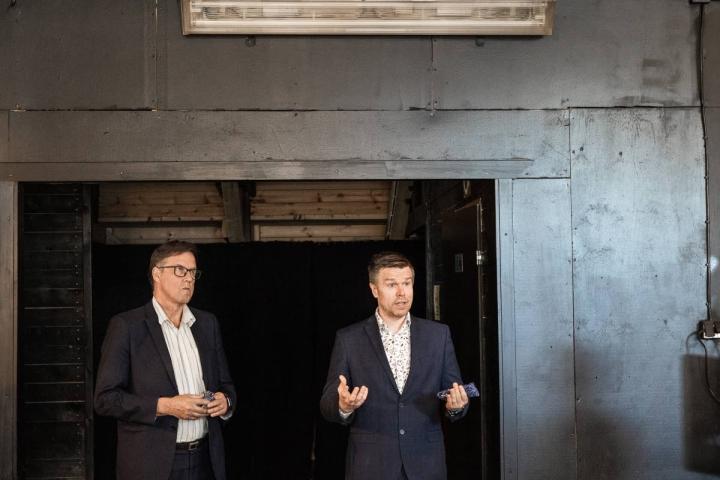 Kari Karjalainen (vas.) ja Markus Hirvonen pitivät puheet valinnan ratkettua.