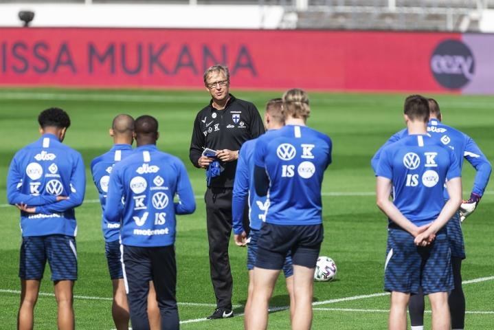 Markku Kanervan luotsaamalle maajoukkueelle on tiedossa ennennäkemätöntä mediahuomiota niin kotimaassa kuin kansainvälisesti.