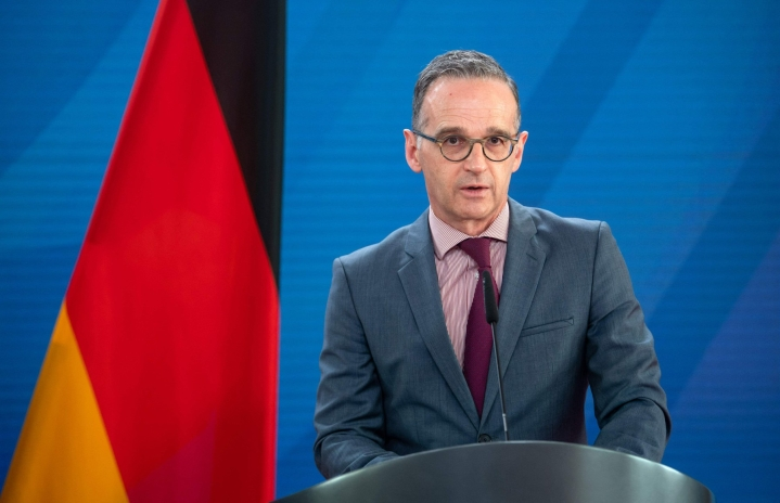 """Heiko Maas lupaa, että """"kesällä toivo ja luottamus palaavat Saksaan"""". LEHTIKUVA/AFP"""