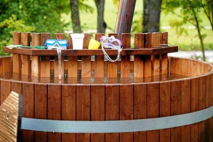 Paljuissakin on huomioitava paloturvallisuus, koska ne lämmitetään puilla.