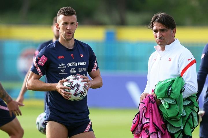 Kroatian avainpelaaja Ivan Perisic on saanut positiivisen testituloksen koronavirustestissä. Oikealla valmentaja Zlatko Dalic. Lehtikuva/AFP
