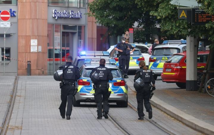 Puukkoisku tapahtui Baijerisssa sijaitsevan Würzburgin historiallisessa keskustassa. LEHTIKUVA/AFP