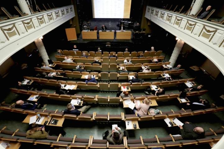 Suurin osa Joensuun valtuutetuista on ollut tällä valtuustokaudella poissa korkeintaan joka kymmenennestä kokouksesta.