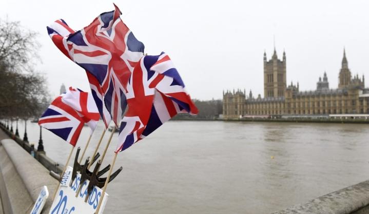 Britannian talous koheni selvästi huhtikuussa, jolloin maan hallitus aloitti tiukkojen koronarajoitusten purkamisen. LEHTIKUVA / Heikki Saukkomaa