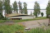 Kiteen kaupunki on myymässä kaksi kiinteistöä - tontin ja huoltorakennuksen Meijerinrannasta Kiteeltä sekä teollisuushallin Kesälahdelta