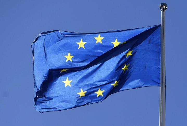 EU-komission mukaan maiden tulisi hyödyntää elpymispaketista tuleva rahoitus mahdollisimman hyvin ja välttää tukitoimien ennenaikaista lopettamista. LEHTIKUVA / VESA MOILANEN