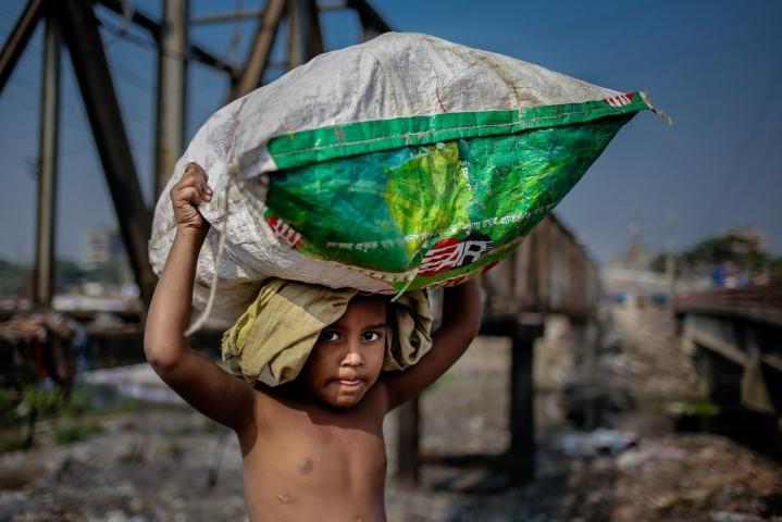 Maailmassa on tällä hetkellä noin 160 miljoonaa lapsityöläistä. LEHTIKUVA/AFP