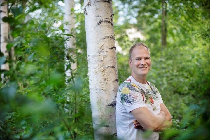 Muusikko Mikko Mäkeläinen haaveili omaa musiikkia sisältävän levyn tekemisestä pitkään. Nyt haave on vihdoin toteutunut.