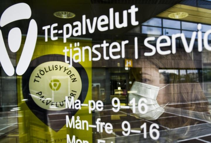 Ennusteen mukaan työllisyysaste nousee kuluvana vuonna 71,7 prosenttiin ja ensi vuonna 71,8 prosenttiin. Lehtikuva / Markku Ulander