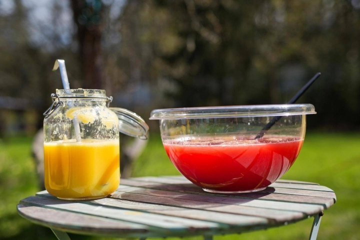 Boolin riittävyys riippuu juomalasien koosta. Kolmesta litrasta tulee noin 30 pientä lasillista juomaa.