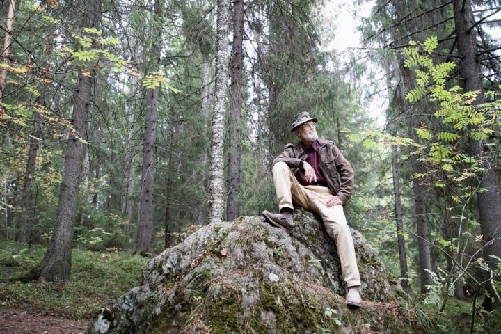 Heikki Vesajoki on nyt tehnyt kirjan Pohjois-Karjalan kivistä ja kallioista.
