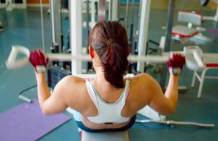Säännöllinen voima- ja nopeusharjoittelu voi hidastaa tai jopa estää luuston vanhenemista.