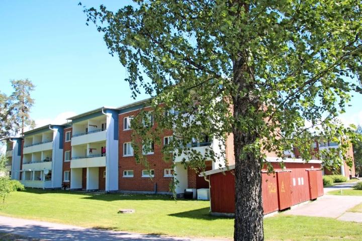 Kiteen kaupunginhallitus päätti edessä olevan kerrostalon myynnistä Marjatalo M. Mutikaiselle.