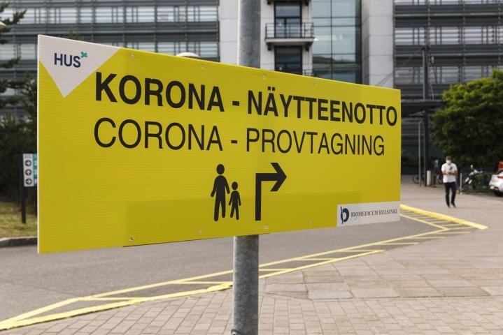 Koko epidemian aikana Suomessa on todettu noin 95000 koronavirustartuntaa. Lehtikuva / Roni Rekomaa