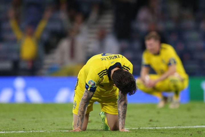 Ruotsi hävisi jalkapallon EM-kisojen neljännesvälierissä Ukrainalle.  LEHTIKUVA / AFP