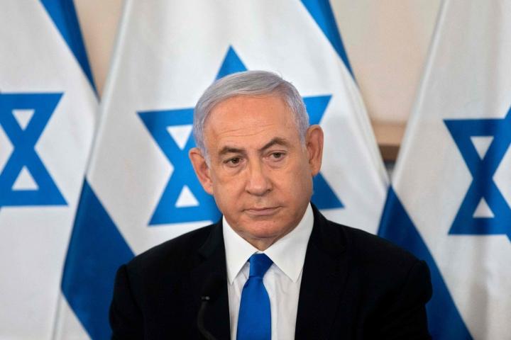 Jos Israelissa nyt muodostettu hallitus saa hyväksyntänsä 120-paikkaiselta parlamentilta, tarkoittaa se maan pitkäaikaisen pääministerin Benjamin Netanjahun (kuvassa) astumista syrjään.