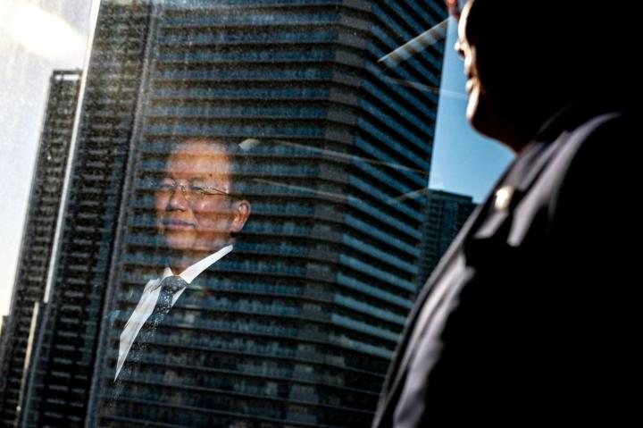 Toshiro Mutolta kysyttiin tiedotustilaisuudessa, onko mahdollista, että kisat vielä peruttaisiin. LEHTIKUVA/AFP