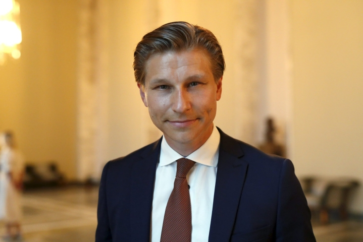 Kokoomuksen varapuheenjohtaja Antti Häkkänen torjuu ex-kansanedustaja Kirsi Pihan tulkinnat roolistaan kokoomuksessa. LEHTIKUVA / Roni Rekomaa