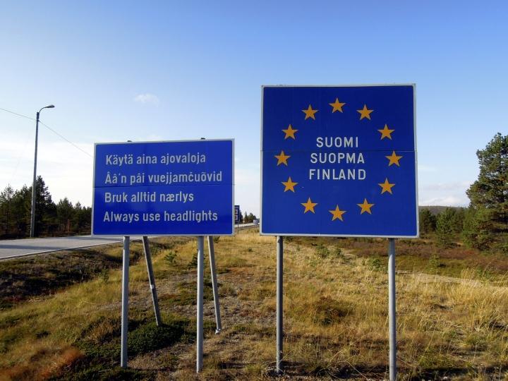 Valtioneuvosto päätti viime viikolla myös, että maanantaista 26. heinäkuuta alkaen Suomeen voivat saapua kaikista maista ihmiset, joilla on esittää todistus saadusta hyväksyttävästä koronarokotussarjasta ennen Suomeen saapumista. LEHTIKUVA / RITVA SILTALAHTI