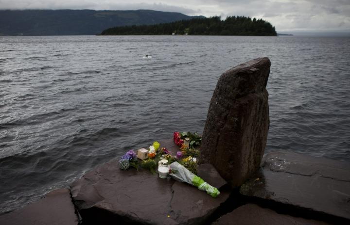 Breivik teki ensin pommi-iskun Oslon keskustaan ja ampui sitten kymmeniä nuoria Utöyan saarella, jossa oli meneillään Norjan työväenpuolueen nuorten leiri. LEHTIKUVA / RONI REKOMAA